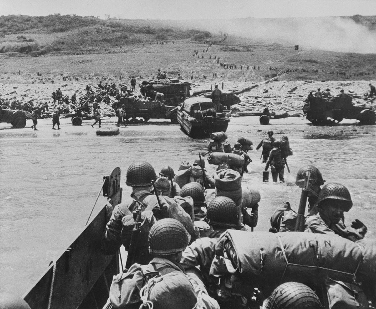 Втора световна война. Пристигане в Нормандия, 1944 година