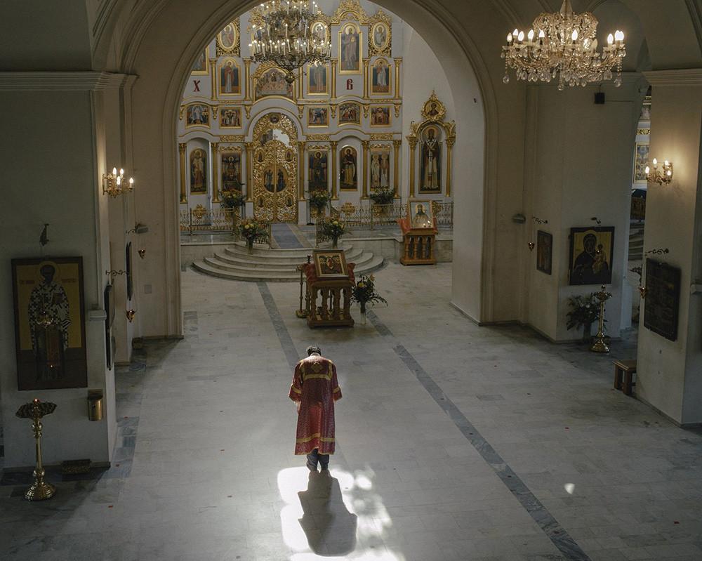 Die St.-Nikolaus-Kirche auf drei Hügeln