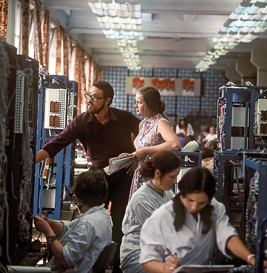 ヴィリニュスの機械式計算機製作工場にて