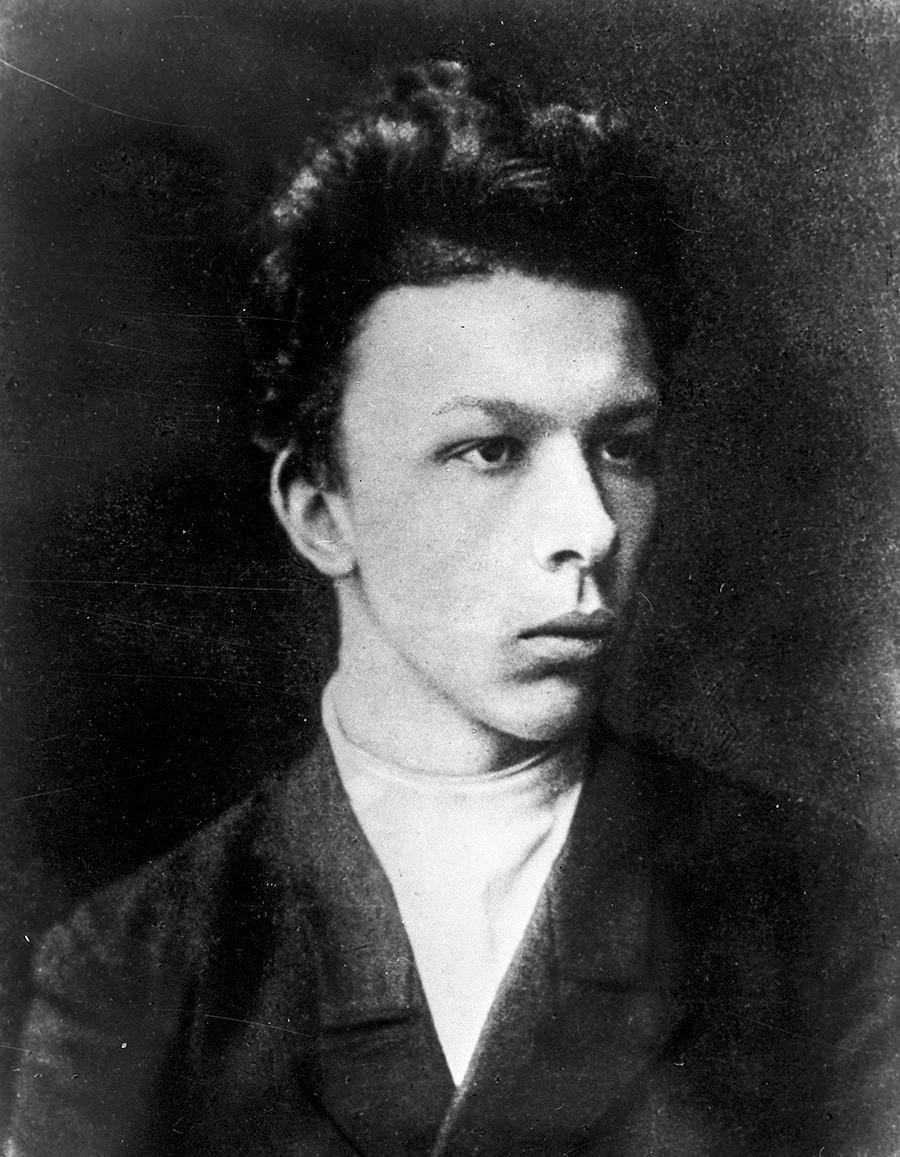 Aleksandr Uljanov (1866-1887), il fratello di Lenin, fotografato nell'anno della sua morte