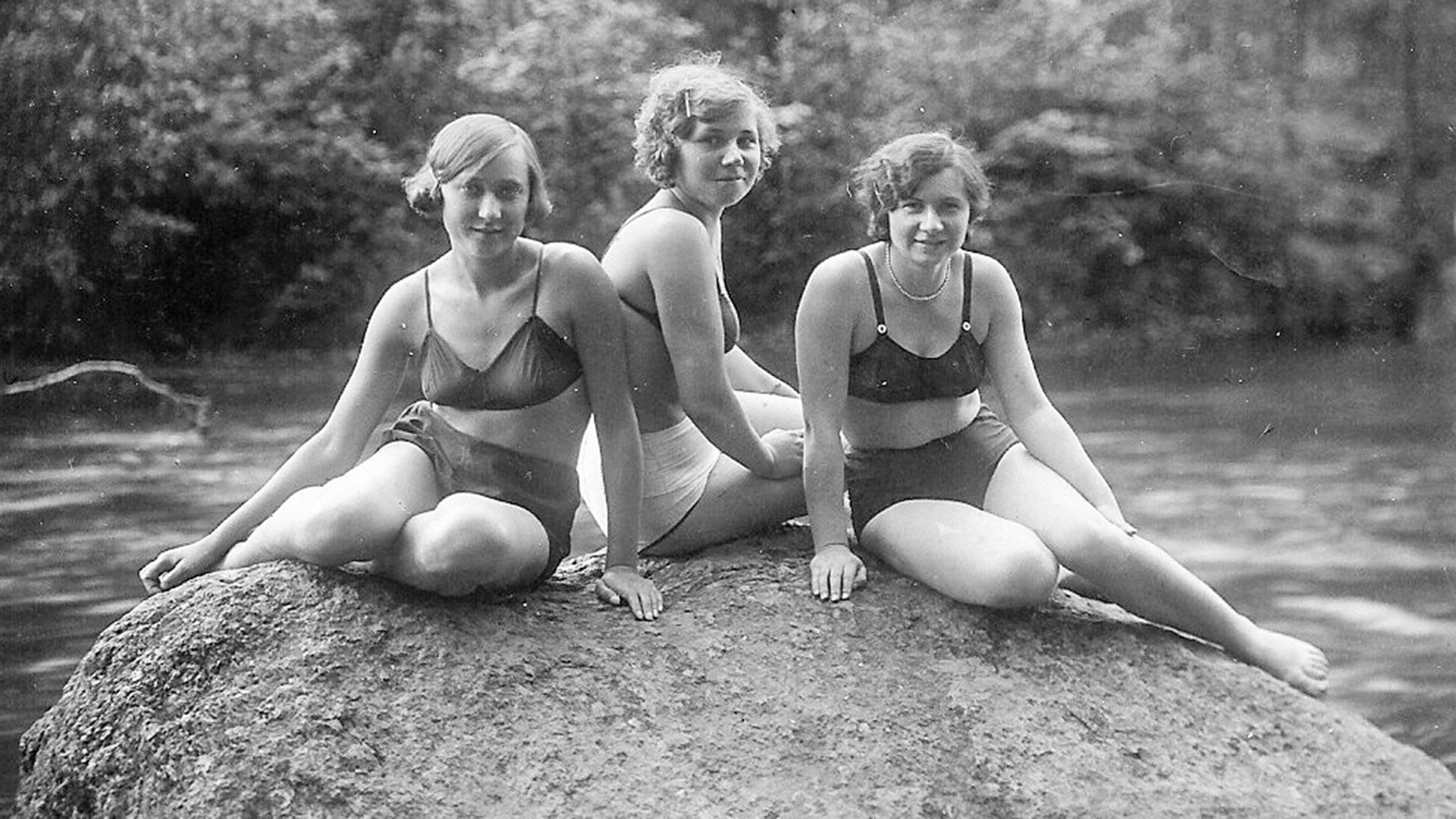Na plaži v Leningrajski regiji, 30. leta 20. stoletja