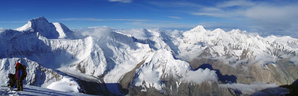 Sommets du Pamir, le massif montagneux où se situe le pic Lénine