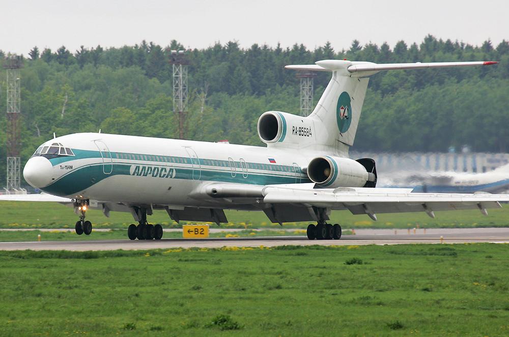 """""""Тупољев"""" Ту-154М Аавионске компаније """"Алроса"""", раније"""
