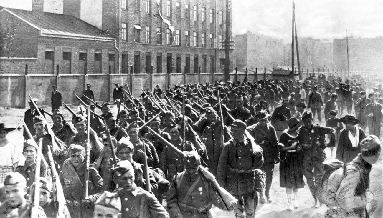 Infanterie der polnischen Armee während der Schlacht von Warschau