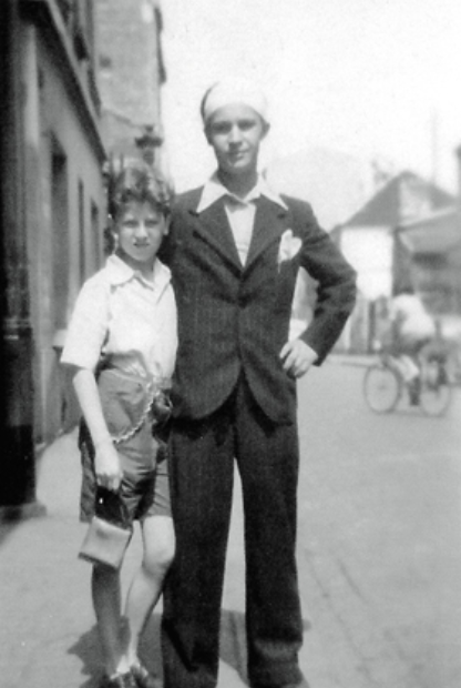 Igor Lopatinsky (à gauche)