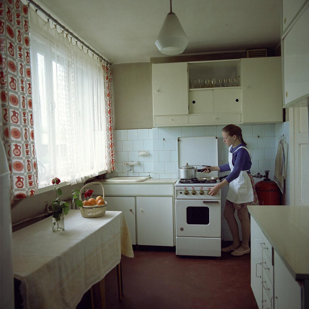 Una cocina en la Letonia soviética
