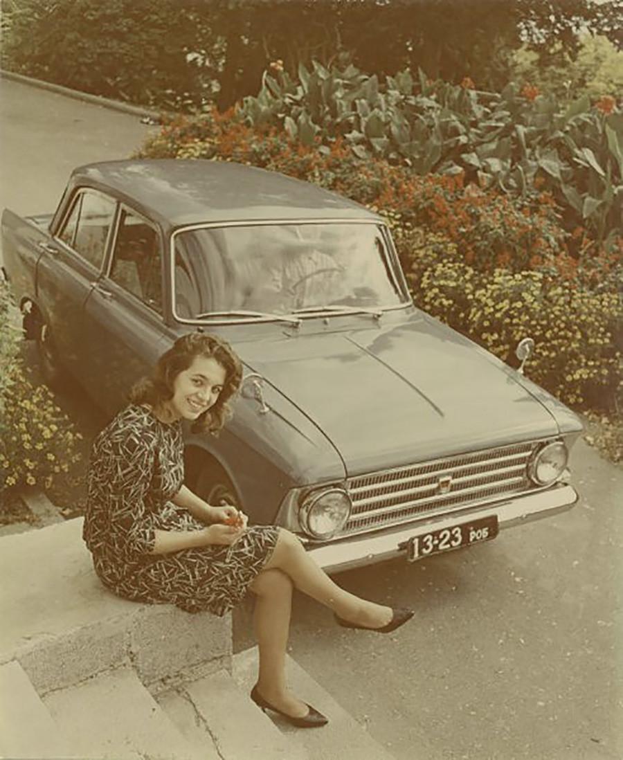 「モスクヴィチ」–408の広告。1964年