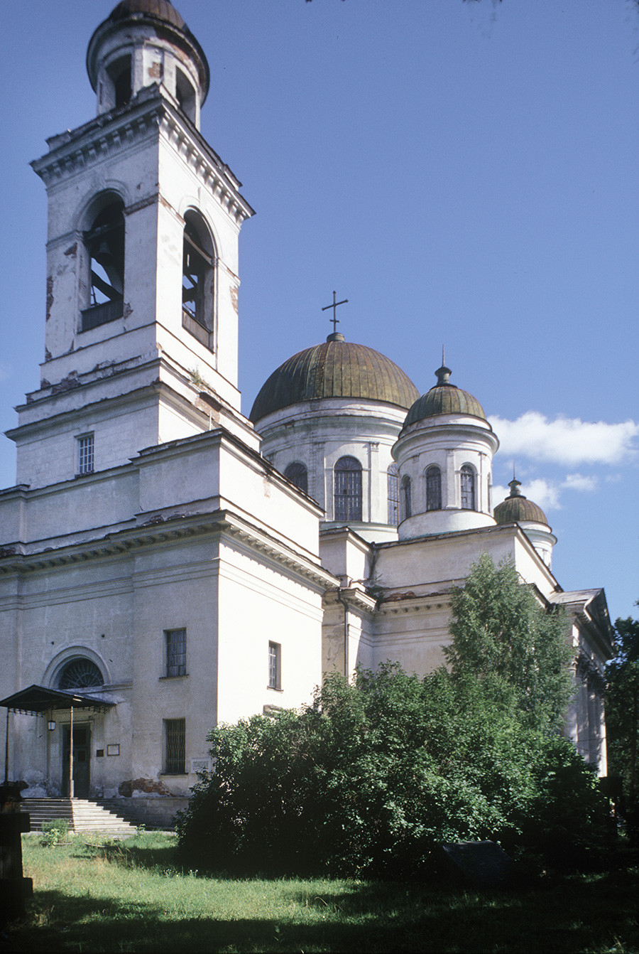 New Tikhvin Convent. Cathedral of St. Alexander Nevsky. Southwest view before restoration. August 26, 1999