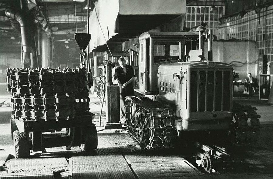 Tractor plant in Kharkov, 1958-59