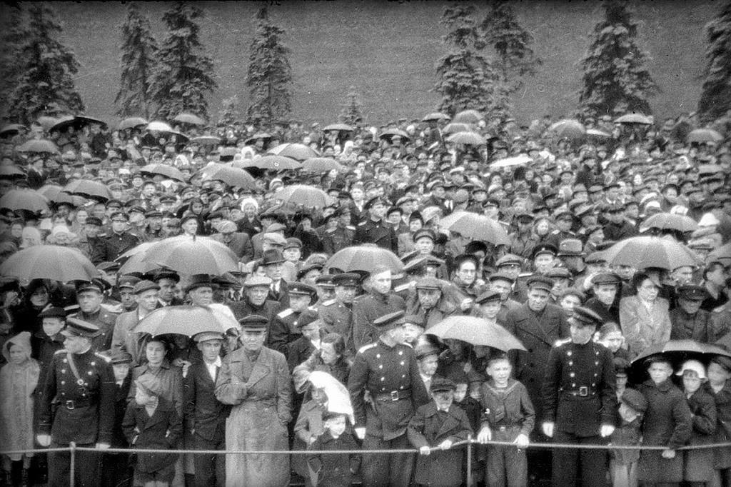 Трибината со гостите. Парадата на Победата, Москва.