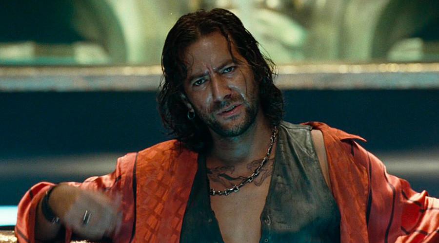 """Удре Беликофф (прикажан е Хенри Јан Кјусик), јунак во филмот """"Хитмен""""."""