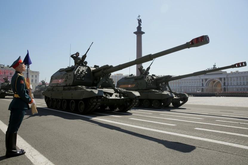 Parade Kemenangan di Sankt Peterburg.