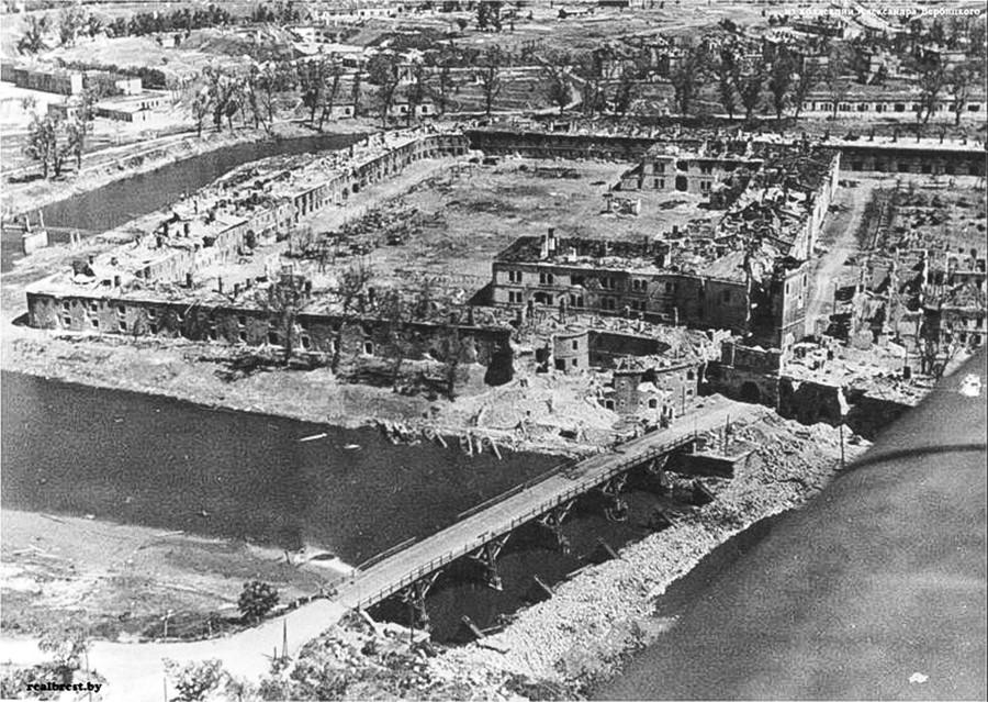 Porte Terespol au sud-ouest de la forteresse de Brest