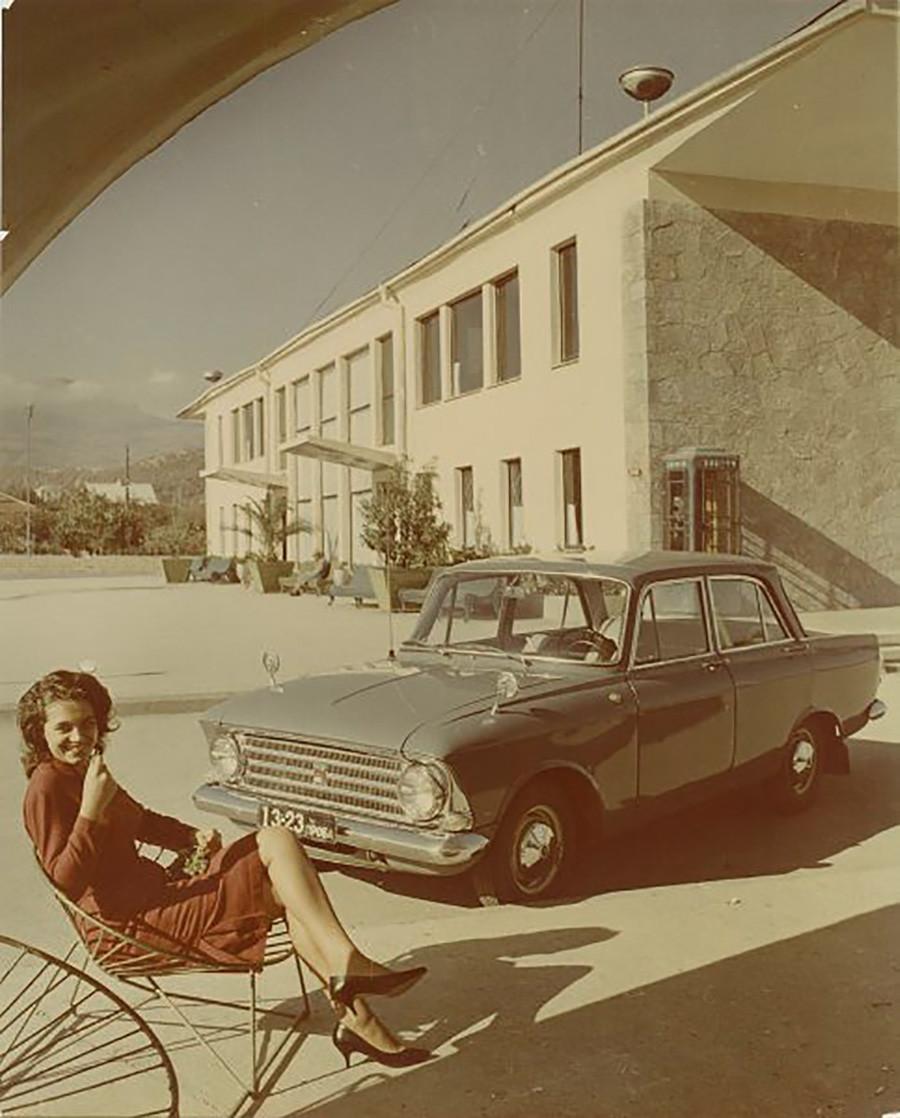 Реклама автомобиля «Москвич»-408, 1964 год