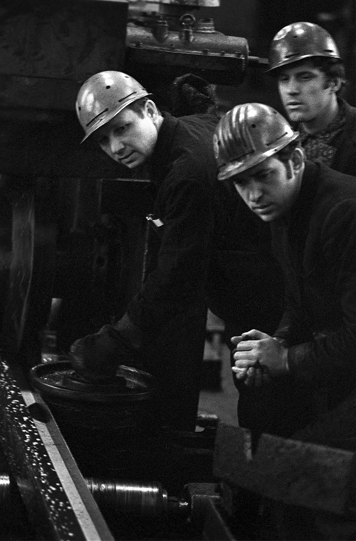 Saporoschstal Stahlwerk, 1974