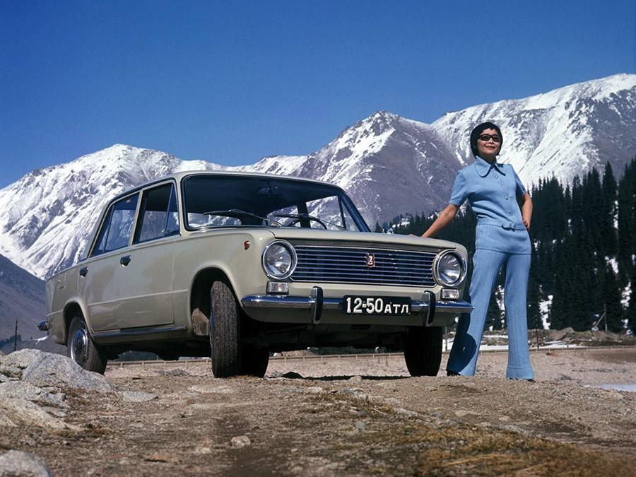 VAZ 2101 – Žiguli, prvi model Tovarne avtomobilov Volga oziroma AvtoVAZ, med narodom znan tudi pod vzdevkom »Kopejka«.