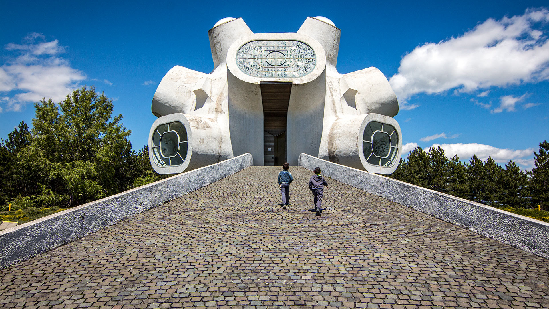 Tugu Peringatan Gerilyawan Makedonia, Kruševo, Makedonia Utara.
