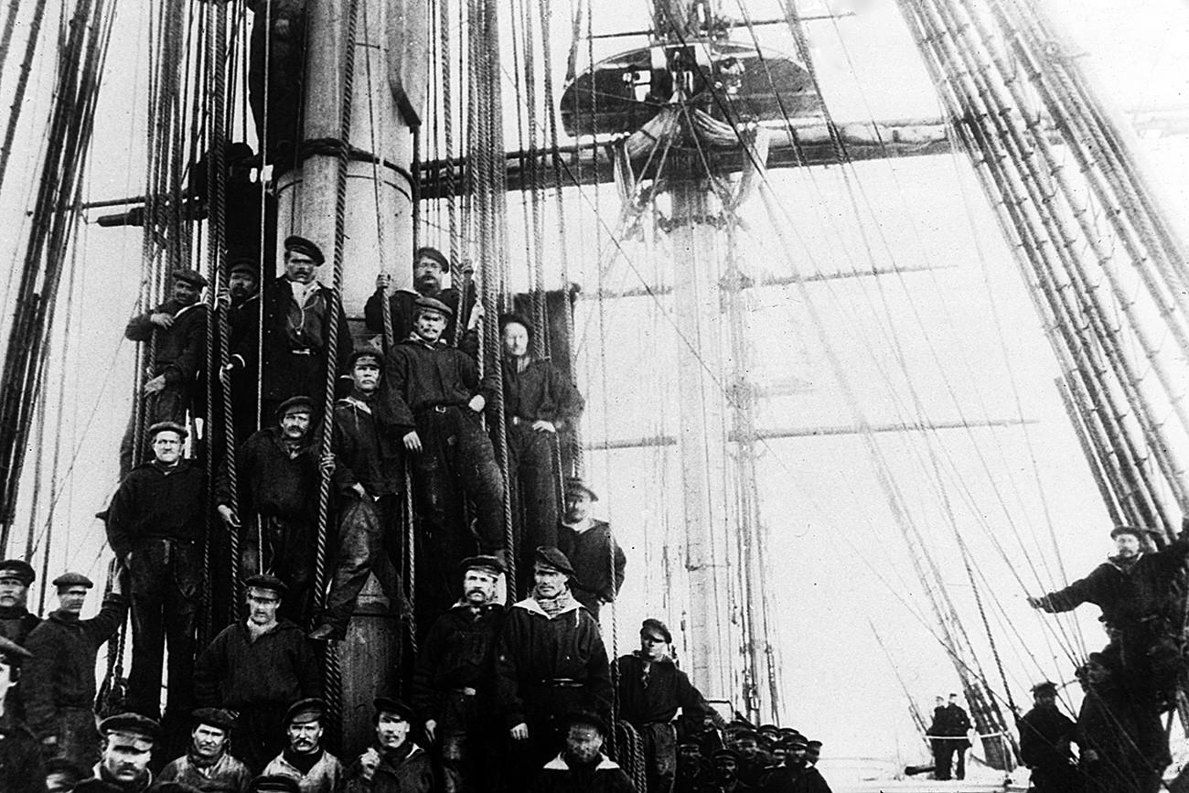 L'équipage de la frégate russe Osliaba à Alexandria, en Virginie, durant la guerre civile américainea, 1863