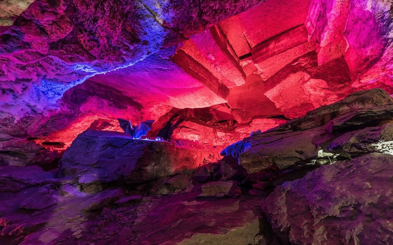 Caverna de gelo de Kungur.