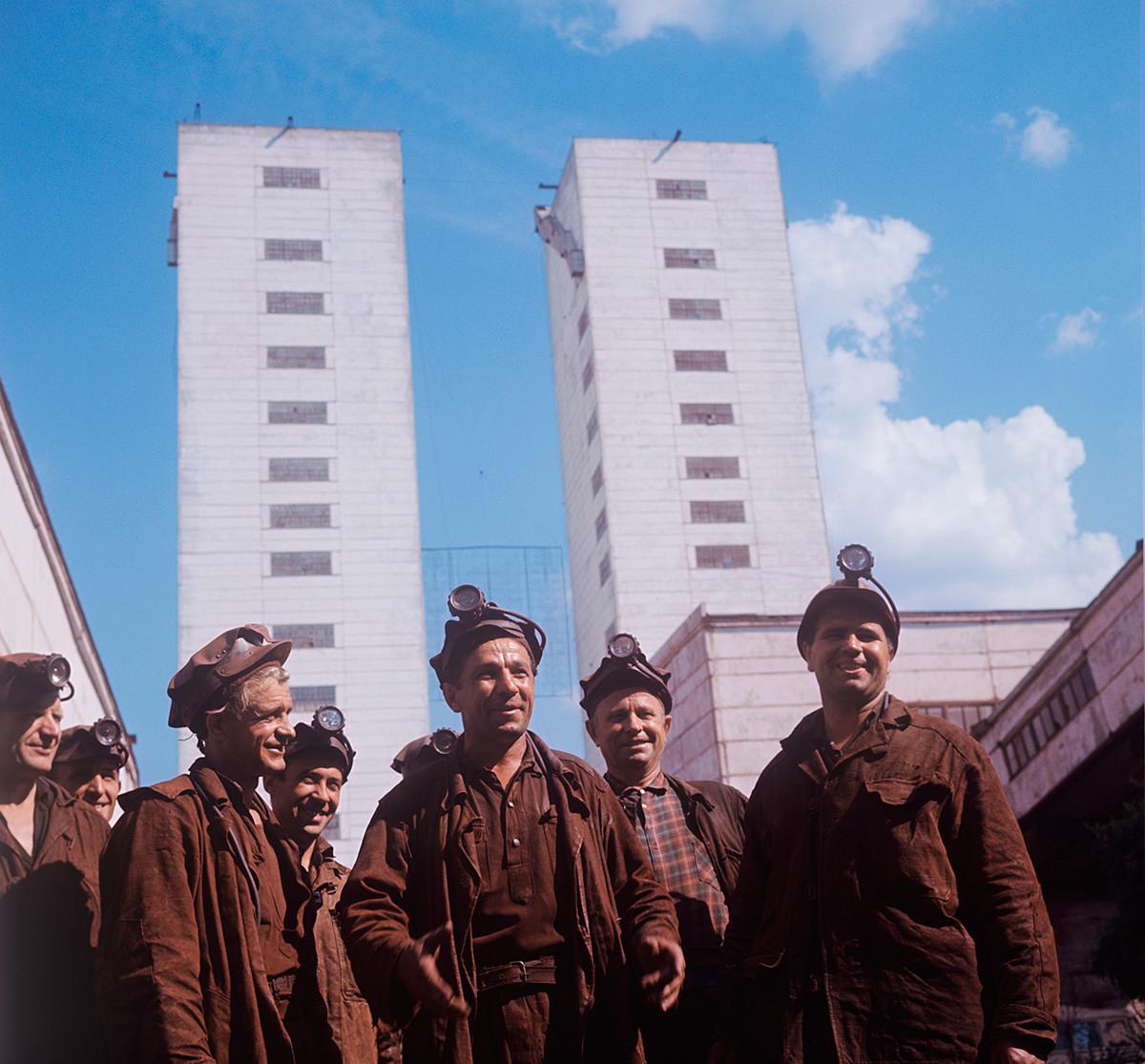 Mineros en la mina Gvardeiskaia, Krivoi Rog, 1970.