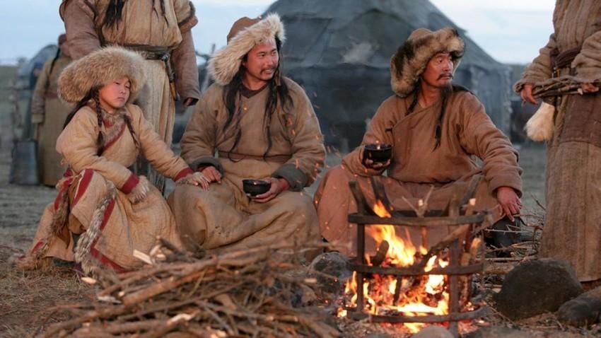 """Сцена од филмот """"Монголец"""""""