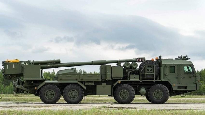 """Првата официјална фотографија на самоодното артилериско орудие """"Малва"""" на научноистражувачкиот институт ЦНИИ """"Буревестник""""."""