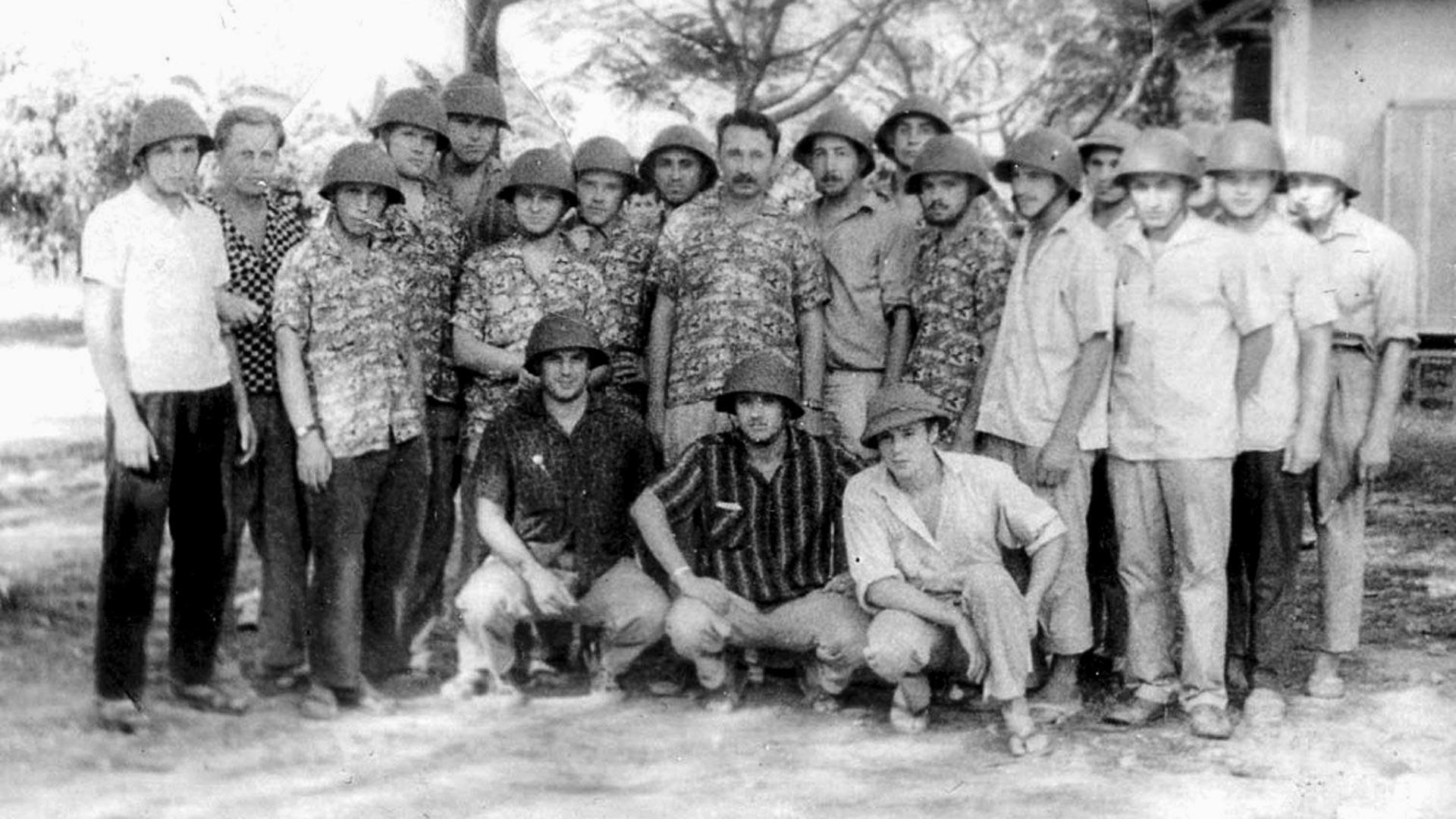 Дивизион майора Бориса Можаева перед маршем на первое боевое задание, 1965 г.