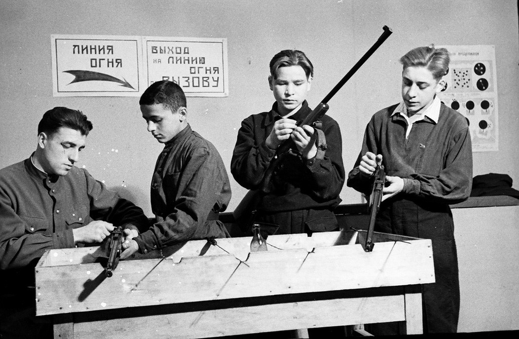 Shooting gallery for youth at the Moscow House of Pioneers, 1952.