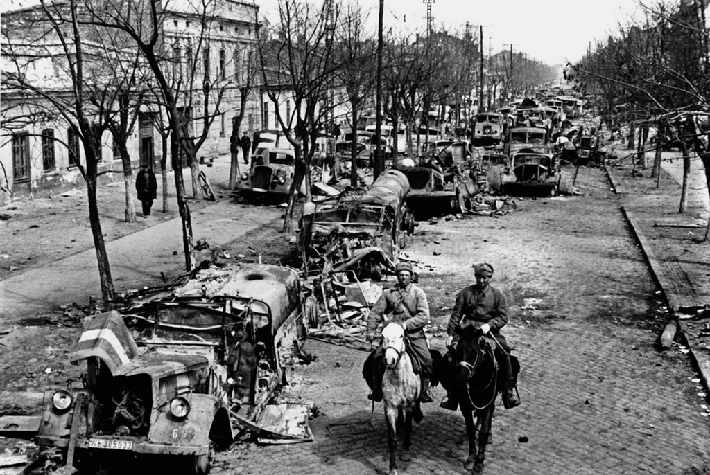 Odessa pada hari-hari pertama setelah pembebasan, 1944.