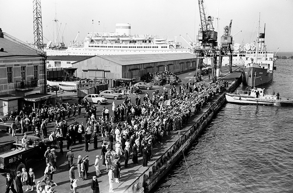 Suasana di pelabuhan Odessa, 1958.
