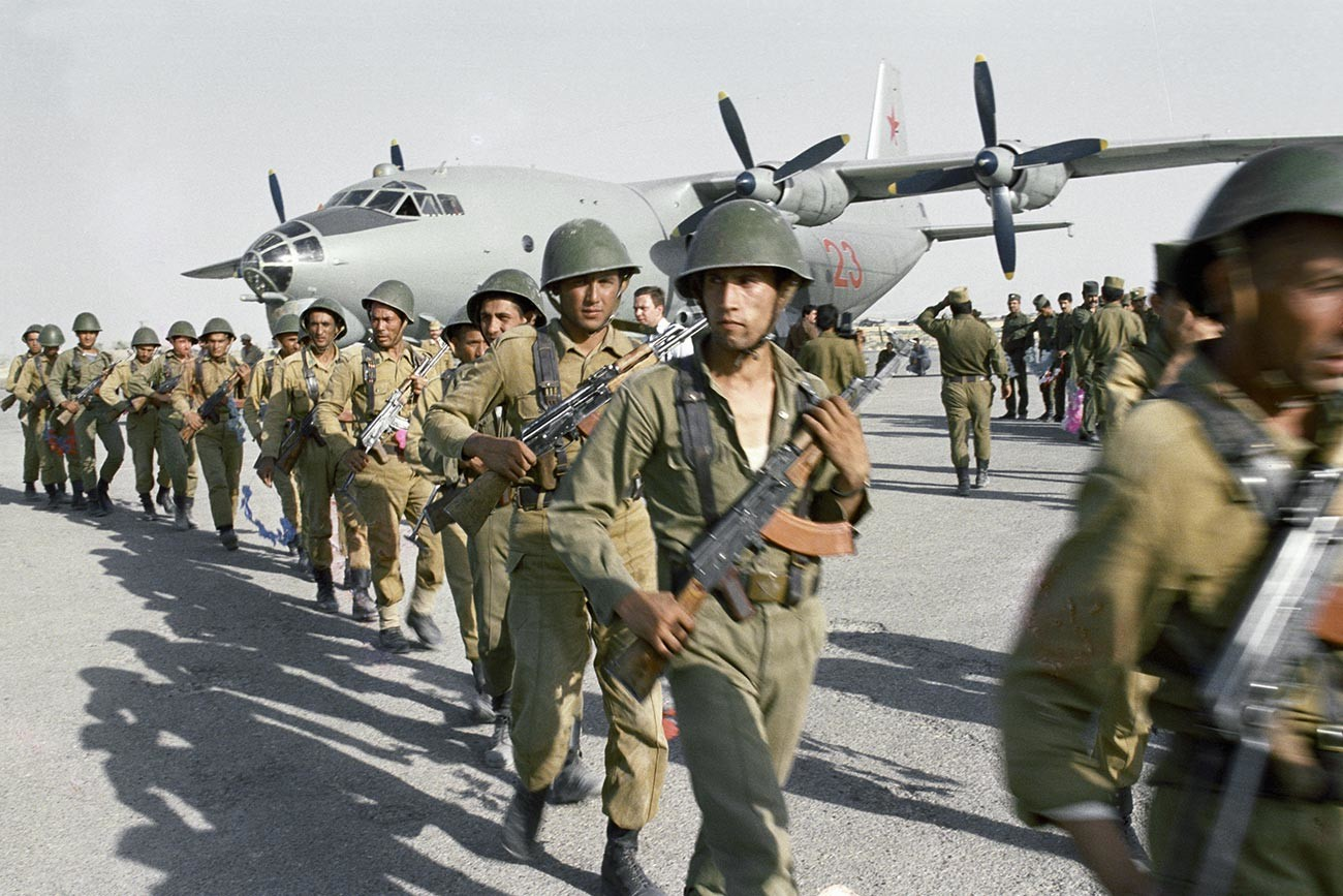 A Soviet special forces unit lands in Afghanistan combat operation in the area of Nangarhar province.