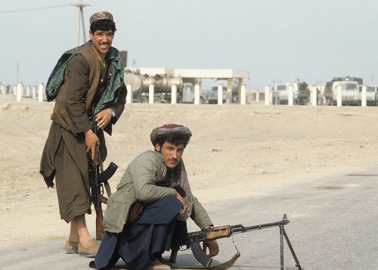 アフガニスタンのムジャーヒディーン兵士(反ソ連のゲリラ)