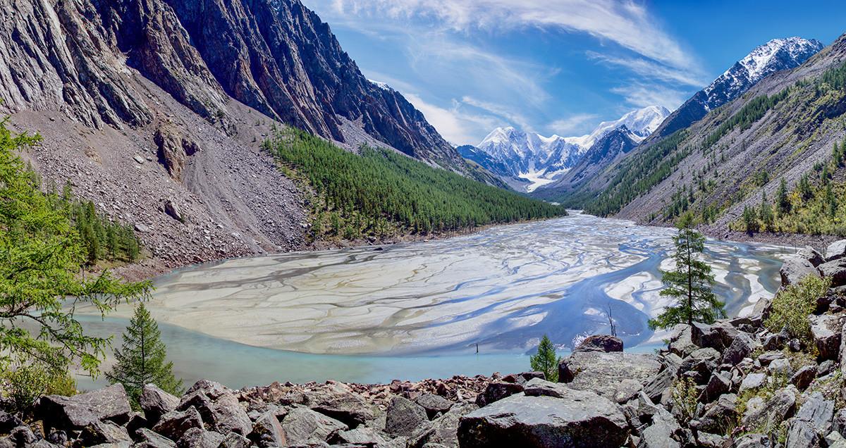 Mountain lake in the Altai