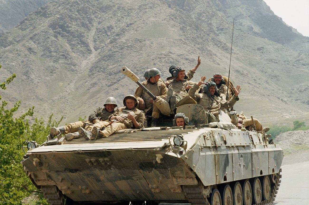 Troupes soviétiques près de Kaboul