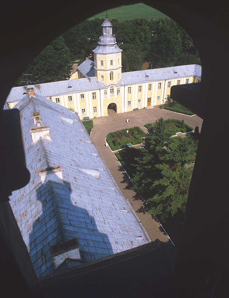 In der Sowjetzeit befand sich auf Schloss Njaswisch, das aus dem 16. Jahrhundert stammt, ein Sanatorium, Foto von 1986