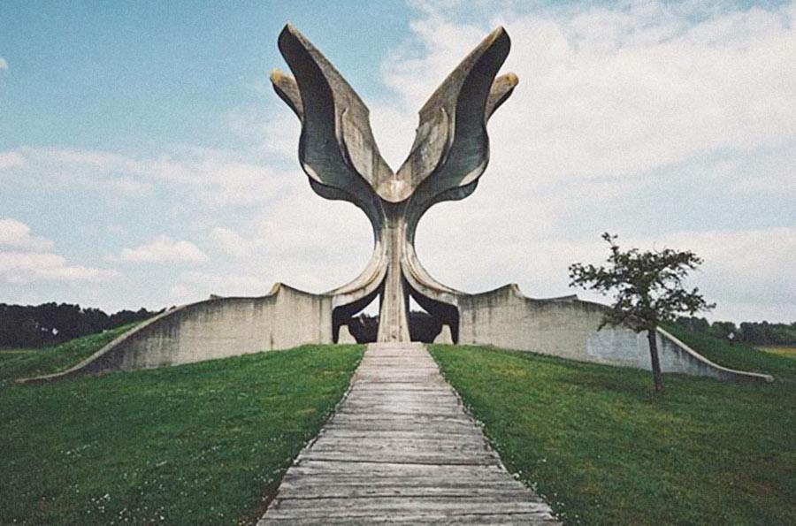 Yugoslavia, Krusevo, Monumentos olvidados de la antigua Yugoslavia.