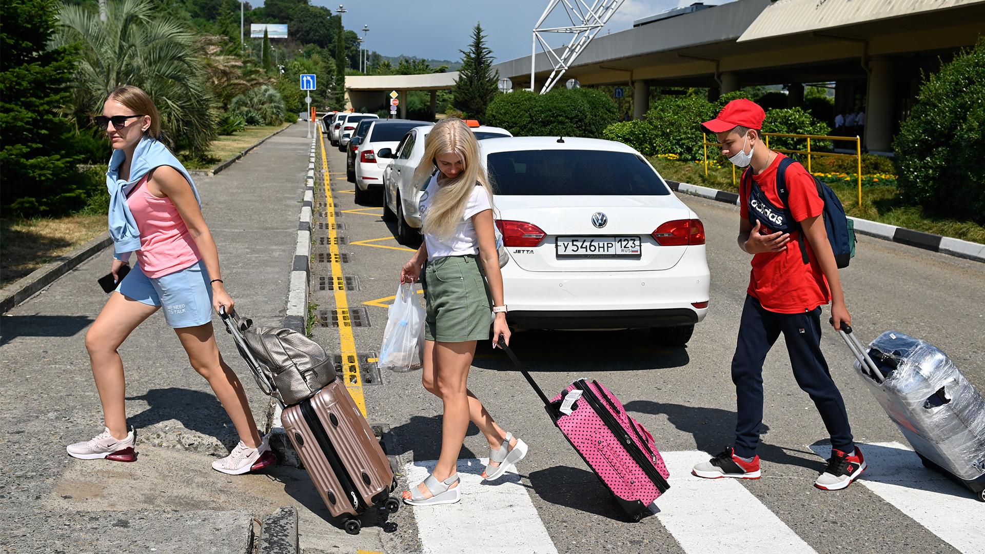 Des touristes russes à Sotchi