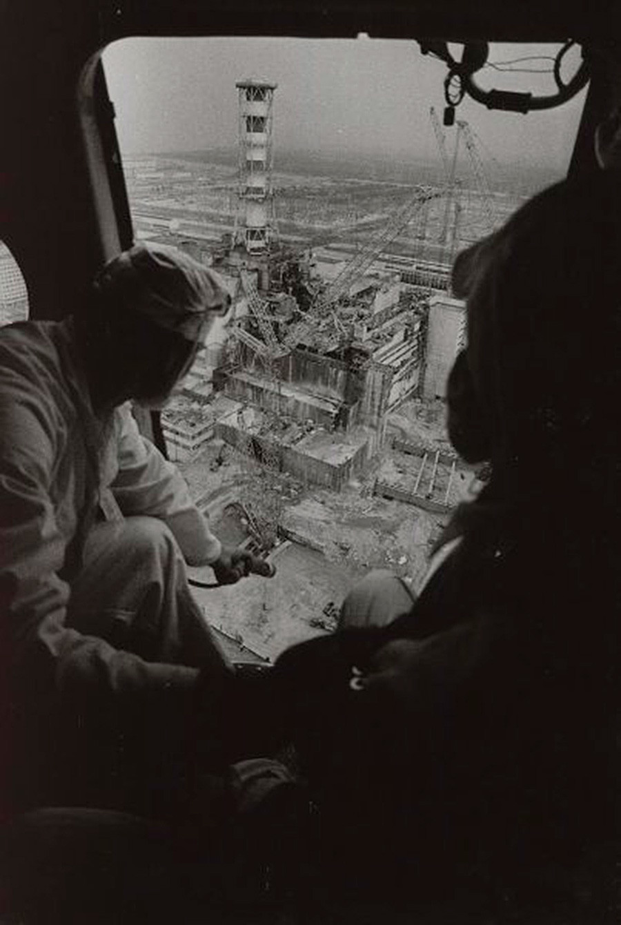 Černobil, merjenje sevanja iz helikopterja, 1986