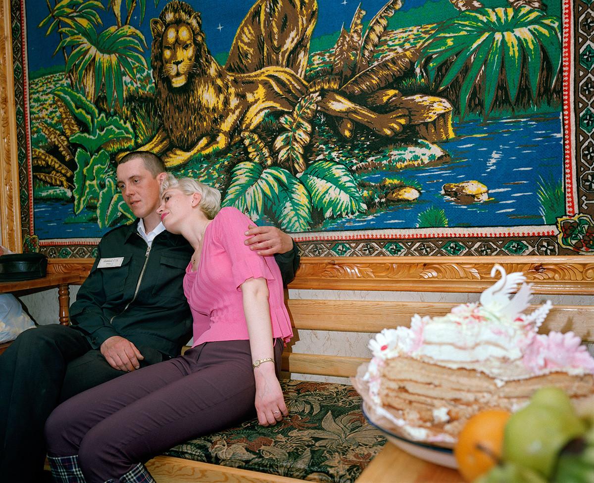 Ein Zimmer für eine Flitterwoche in einer Strafanstalt, Krasnojarsk, Sibirien, 2001
