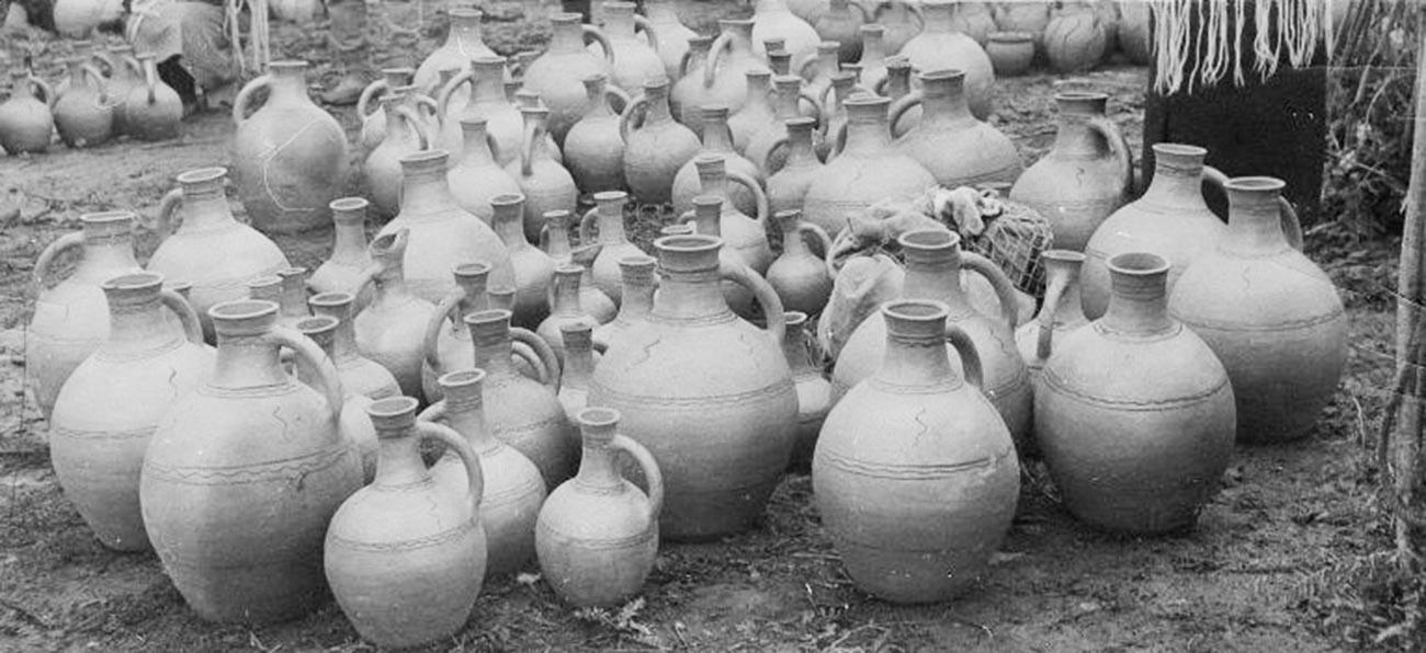 La région était connue pour sa production viticole et le vin local était exporté vers toutes les autres républiques d'URSS.
