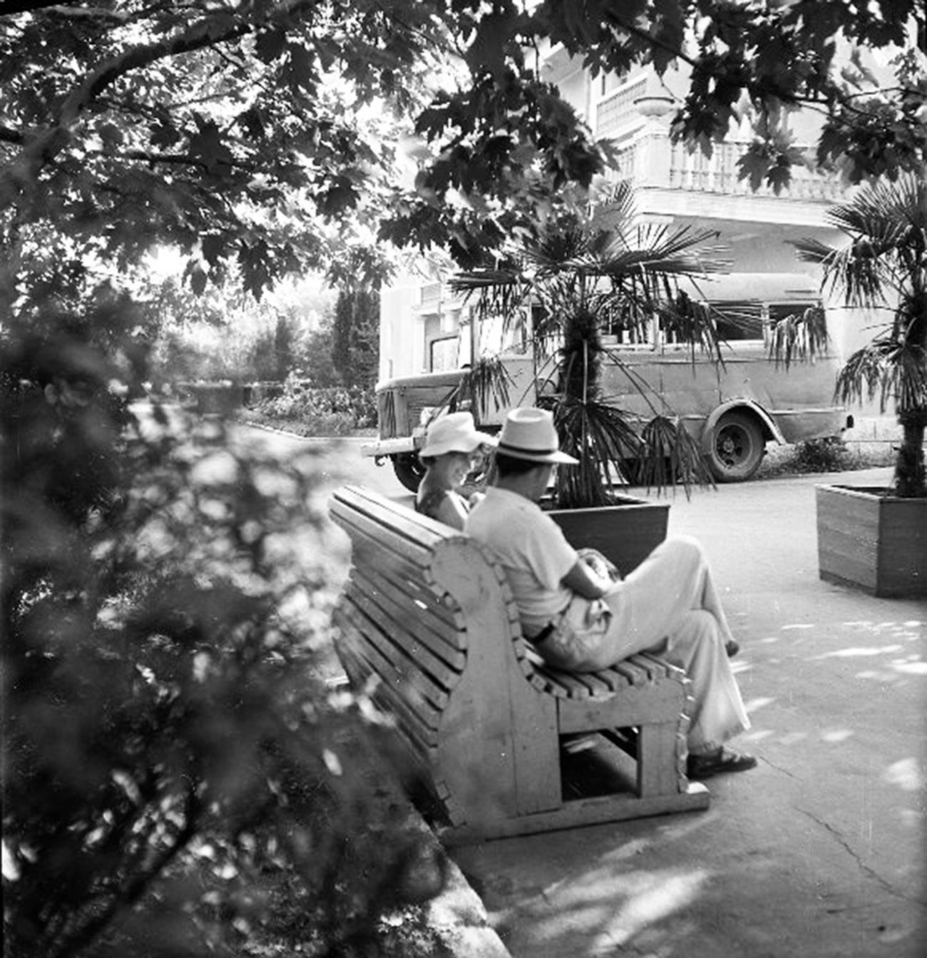 Repos au sanatorium « Amitié », en Géorgie, en 1957