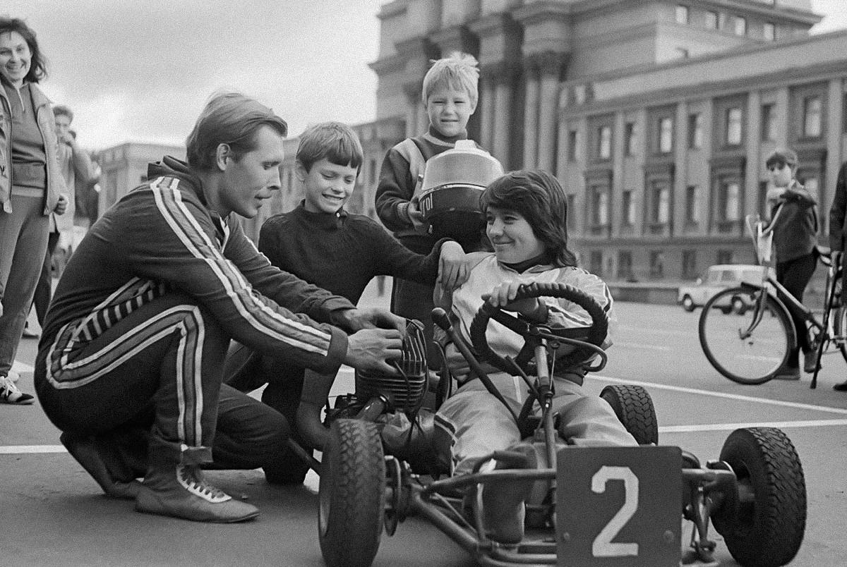 Aulas de kart. Kuibichev (hoje, a cidade se chama Samara), 1988.