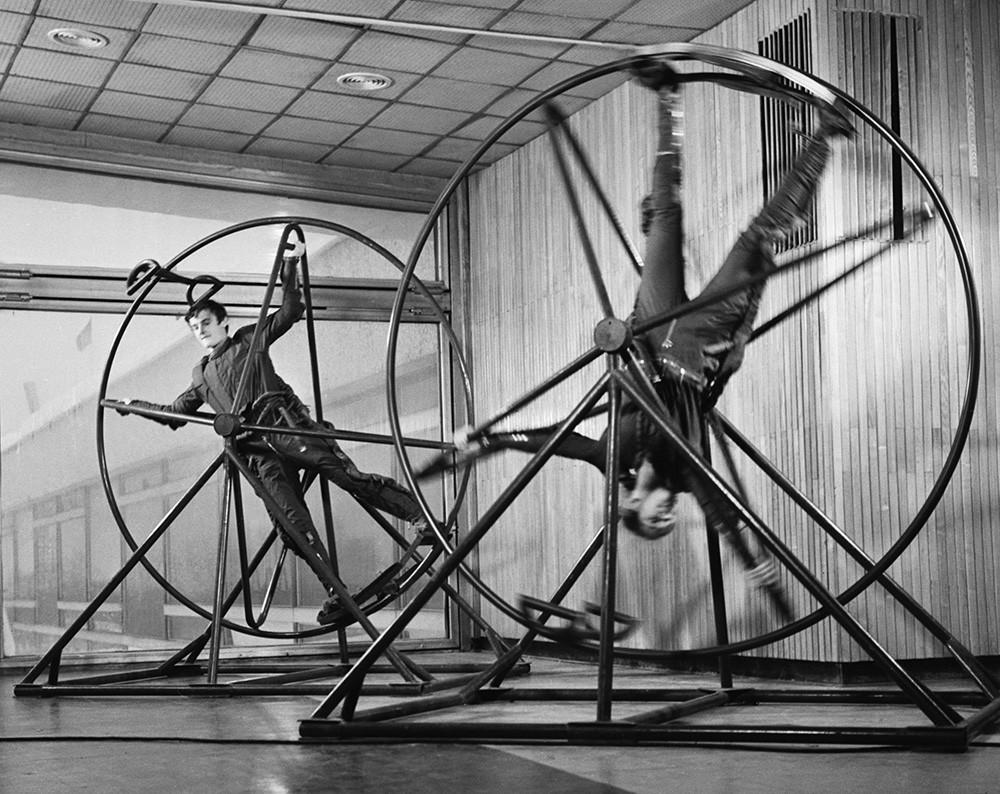 Aulas para jovens cosmonautas. Moscou, 1970.