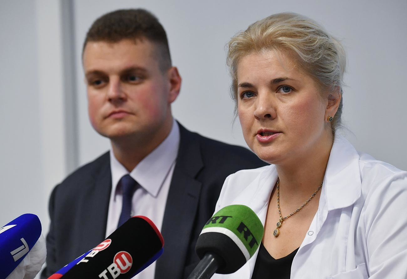 Vadim Tarasov (left), director of the Institute for Translational Medicine and Biotechnology at the First Medical University, and Elena Smolyarchuk (right), head of the center for the clinical study of medicines at the First Moscow State Medical University.