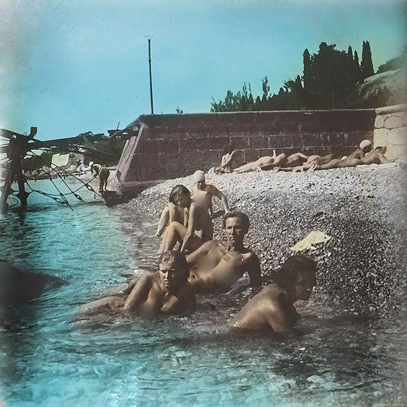 裸の労働者とコルホーズ労働者、クリミアにて。1931年