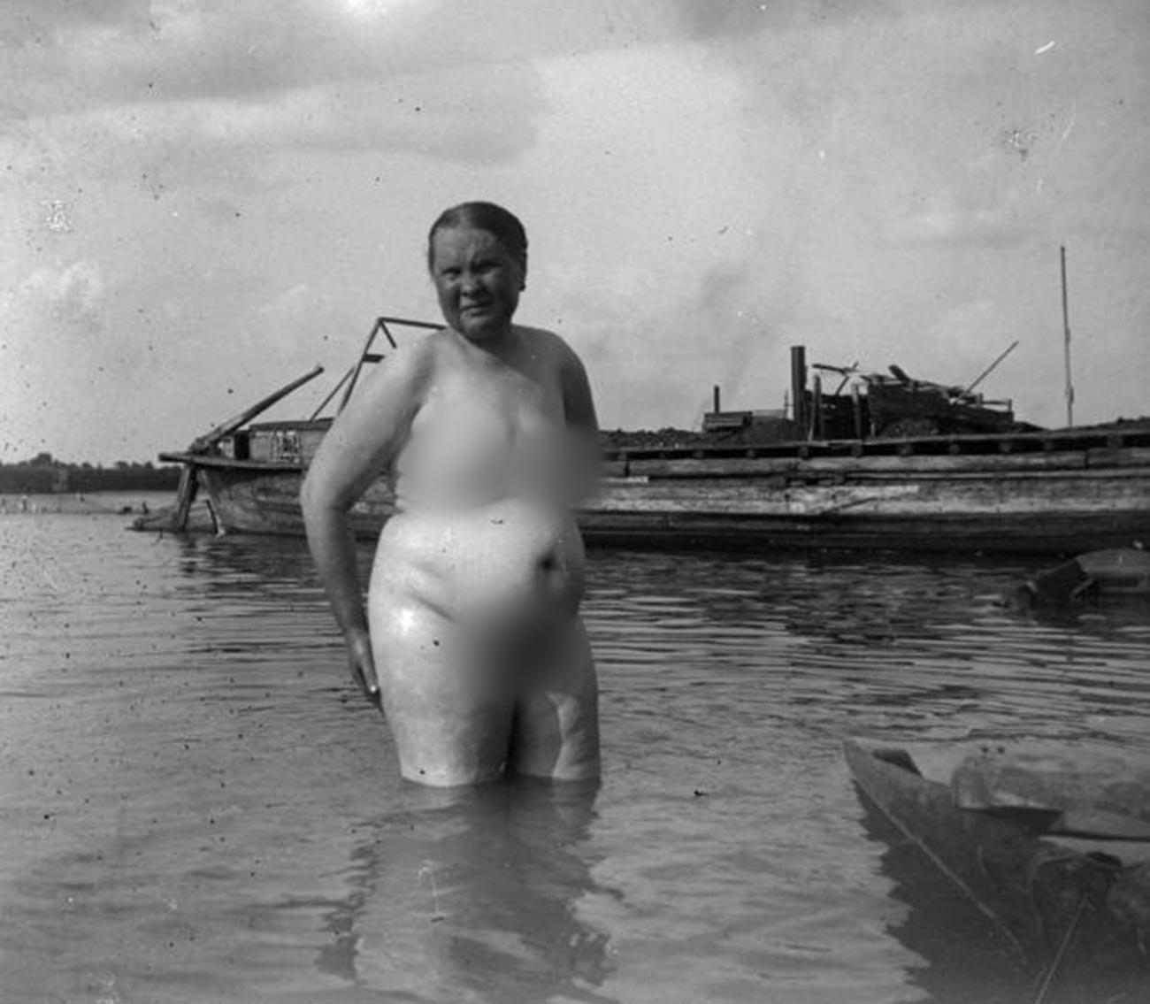 裸婦。 1930年