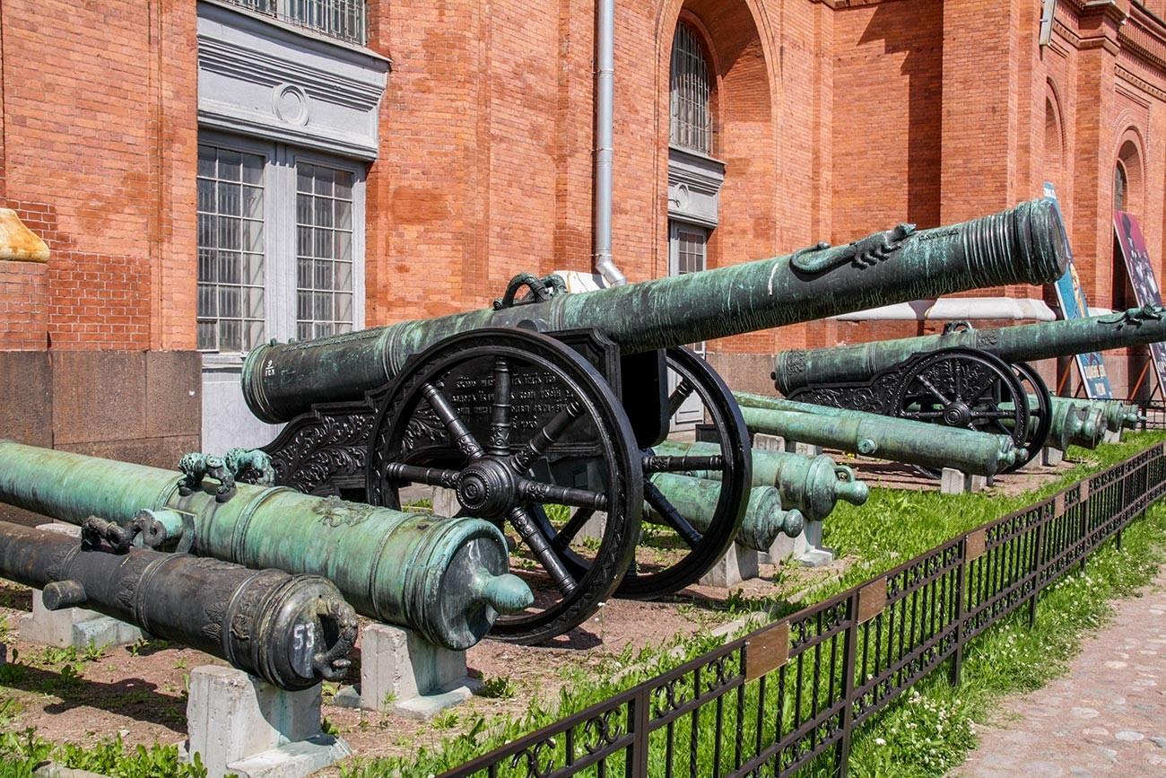 Canhão projetado em 1590 por Andrei Tchokhov, graças aos ensinamentos de armeiros italianos