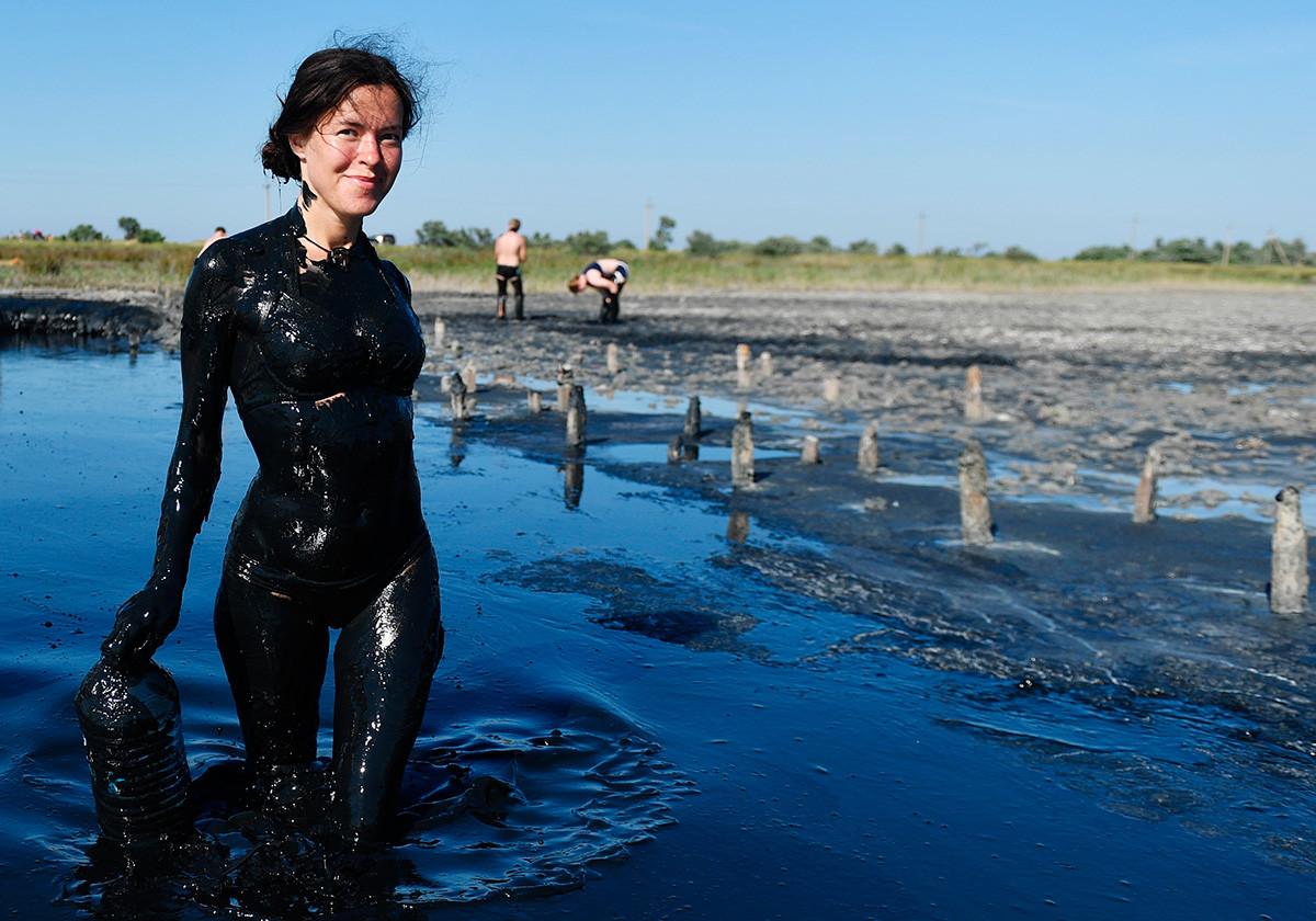 Po blatni kopeli na Čokrakskem jezeru na Krimu