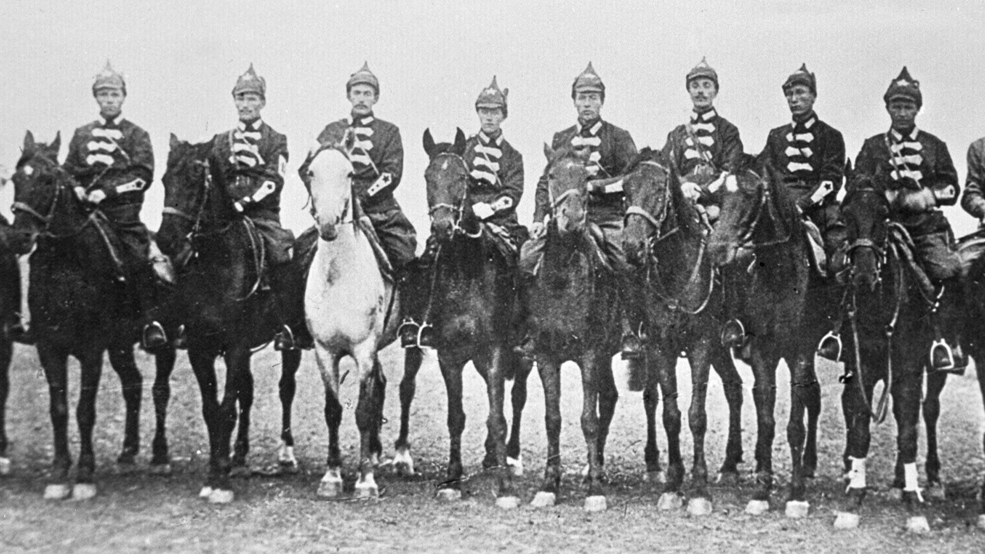 Komandan-komandan Pasukan Kavaleri Pertama.