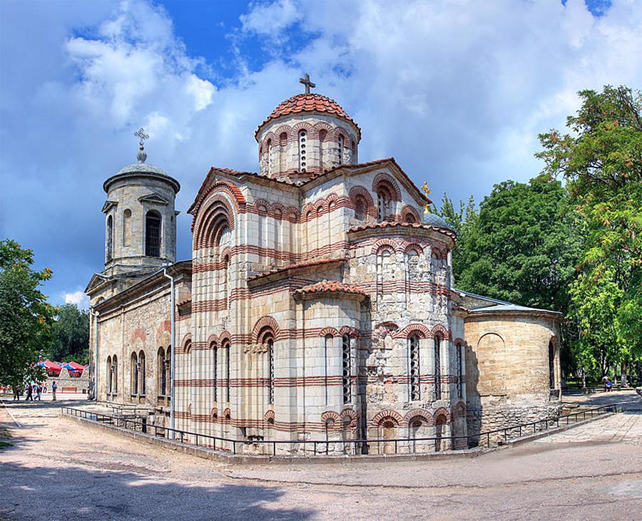 Die byzantinische Kathedrale des hl. Johannes des Täufers